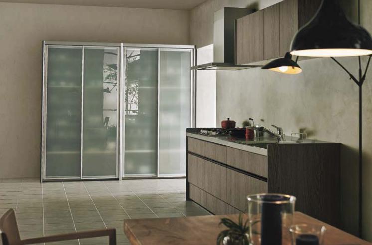 透明収納キッチン