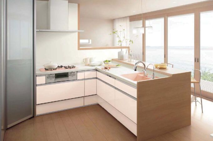リクシルのピンク色のキッチン
