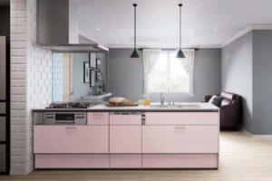 ピンク色の台所